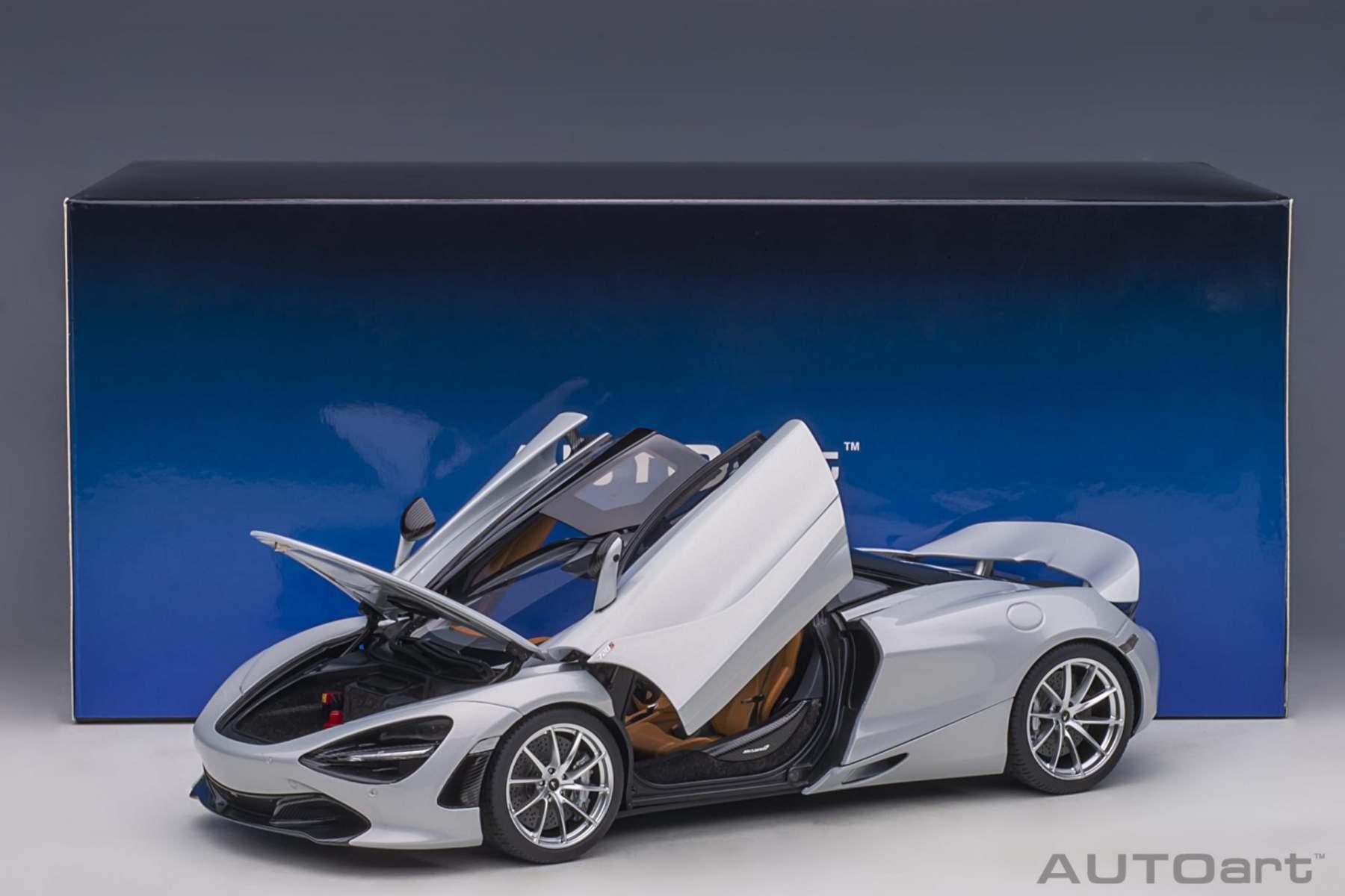 glacier white AUTOart 1:18 76071 2017 McLaren 720S NEU!
